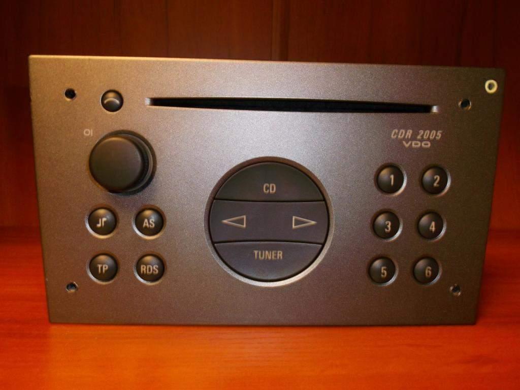 fabryczne-radio-opel-vectra-c-cdr2005-aux-kod-4235804559.jpg